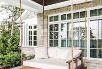Sofa Gantung Untuk Bersantai Ria di Teras Rumah