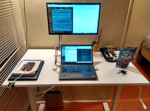 meja kerja simple sederhana namun kuat