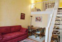 mezzanine mini simple pada desain ruang tamu rumah kecil