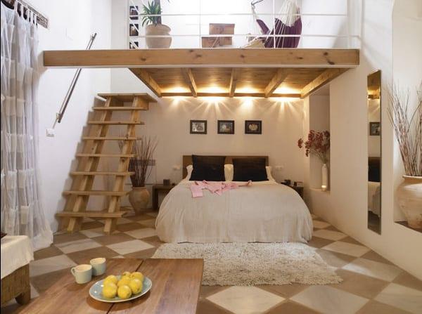 ruangan terbatas bisa pakai mezzanine untuk kamar tidur nuansa romantis