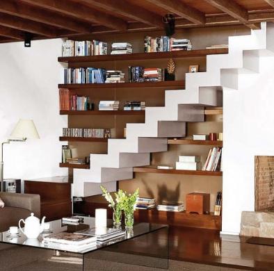 ruang bawah tangga untuk ruang tamu