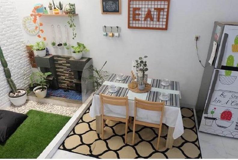Desain Ruang Tamu Minimalis Ukuran 2x2 membuat ruang makan minimalis tampak elegan