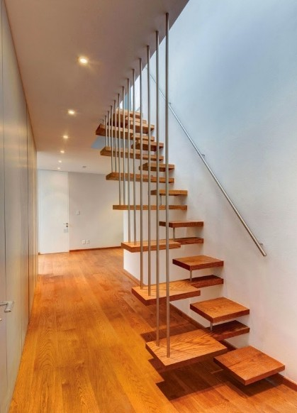 tangga unik dan railingnya yang bagus lucu