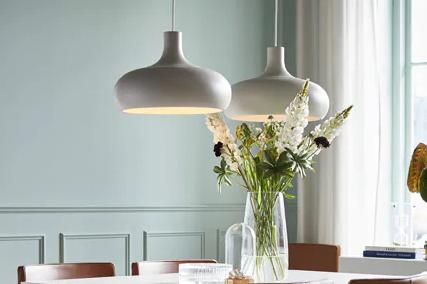 lampu gantung cantik di dapur