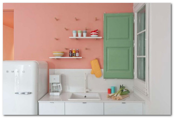 warna pastel pada dapur lucu
