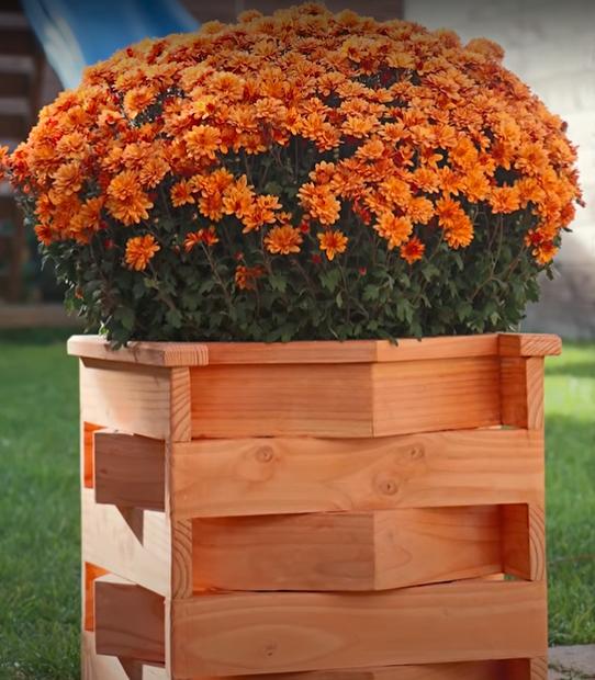 Vas Bunga dari Kayu Triplek