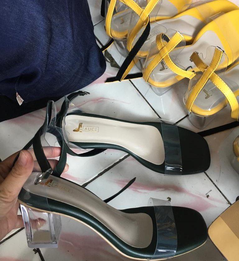 Sepatu handmade wanita