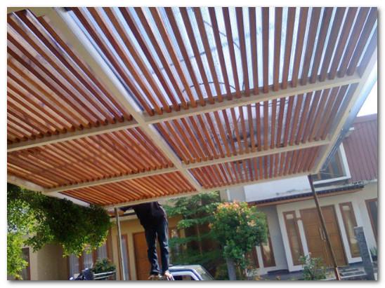 kanopi kombinasi rangka kayu minimalis